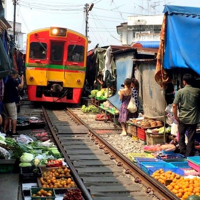 Maeklong Railway Market is an easy day trip from Bangkok. Here's how to get to Maeklong Railway Market by train