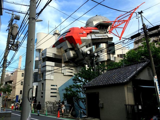 There's a lot of quirky buildings in Tokyo - and they don't need to be open to appreciate them. That's why a Tokyo building tour is one of the top things to do in Tokyo before breakfast