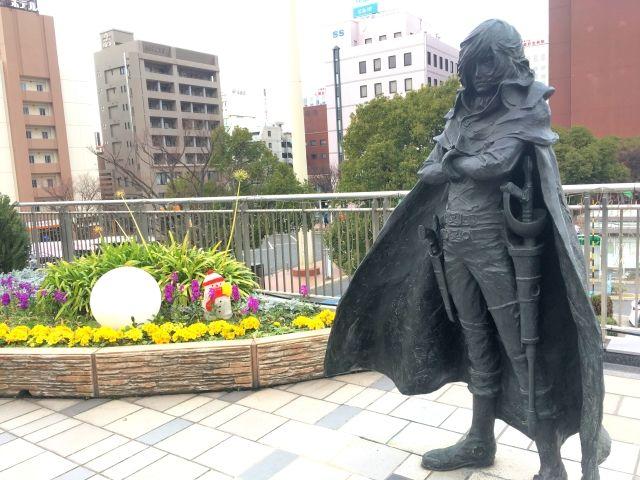 Manga statues at Kokura station