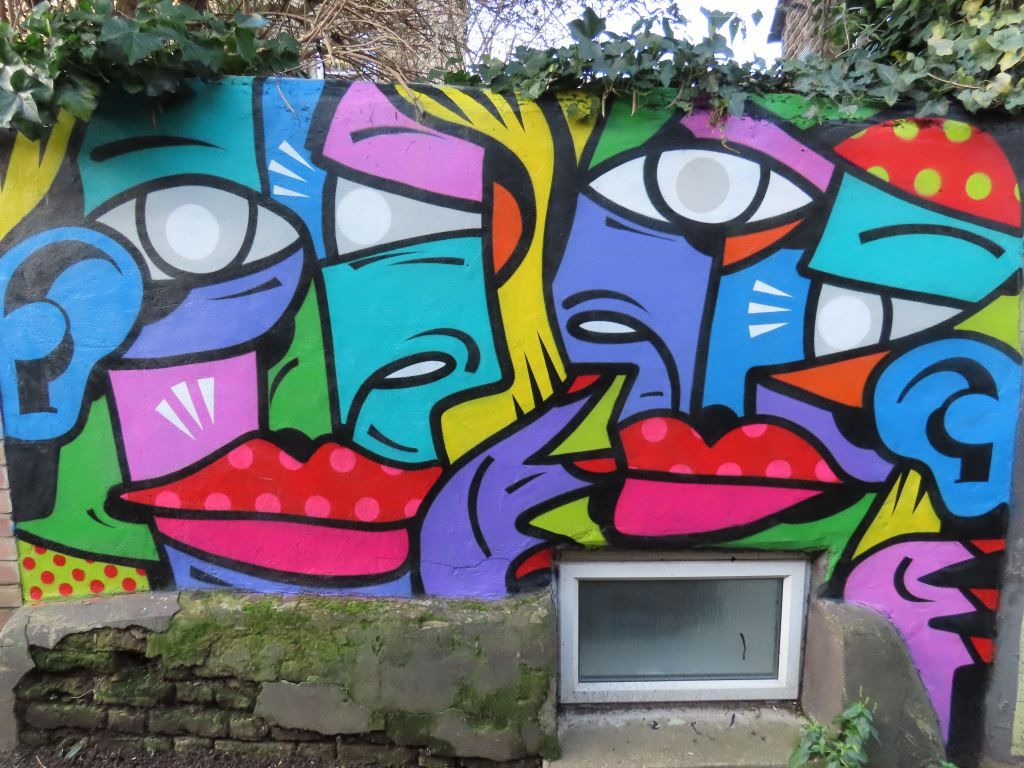 Abstract street art mural by Hunto, Penge, London
