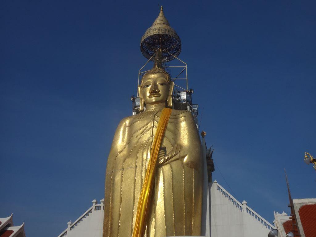 Tall gold buddha near Khao San Road, Bangkok