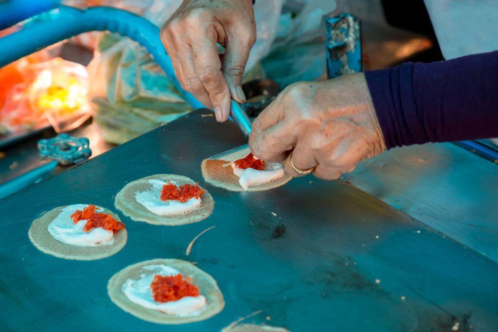 thai pancakes being made