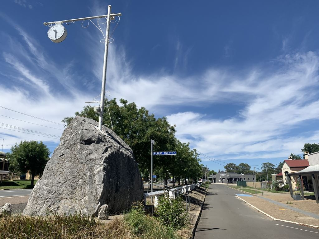 Clock on a pole in Marulan NSW