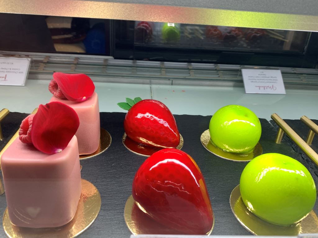 apple and strawberry cakes in Adelaide